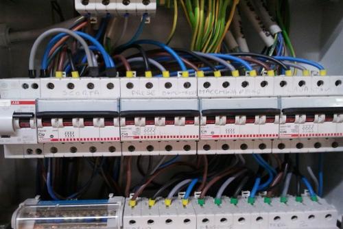 impianti-elettrici-sistema-cablaggio-matera